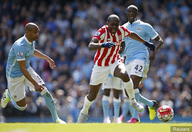 stokes_gianelli_imbula_in_action_with_manchester_citys_fernando__153200.jpg